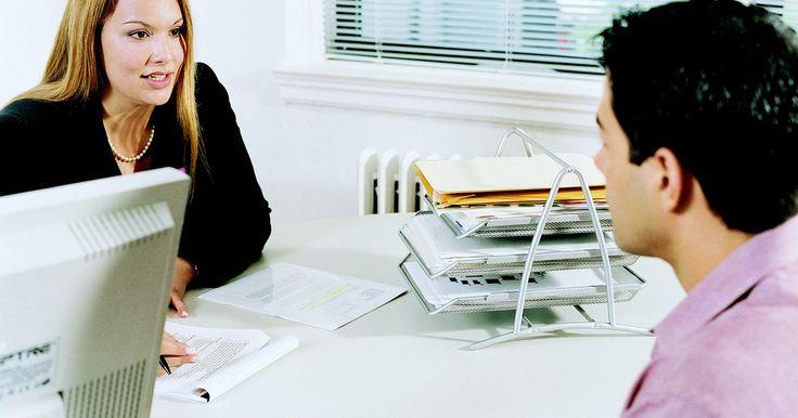 Como copiar e colar um currículo no corpo de um e-mail. Candidatar-se a uma vaga de emprego implica na criação e no envio de um currículo para o empregador em potencial. Cada empregador determinará o método preferencial de recebimento de currículos, e alguns exigirão que o documento seja disponibilizado em um site específico, enquanto outros desejarão recebê-lo por e-mail. Muitas empresas não abrirão ...