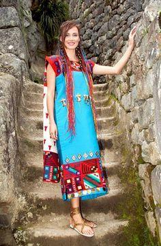 Nuestra Maju Mantilla vistiendo un traje Inca