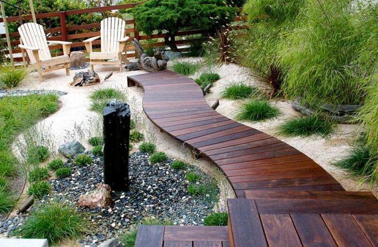 jardin Feng Shui, zone Nord, Carrière: Eau et allée en bois