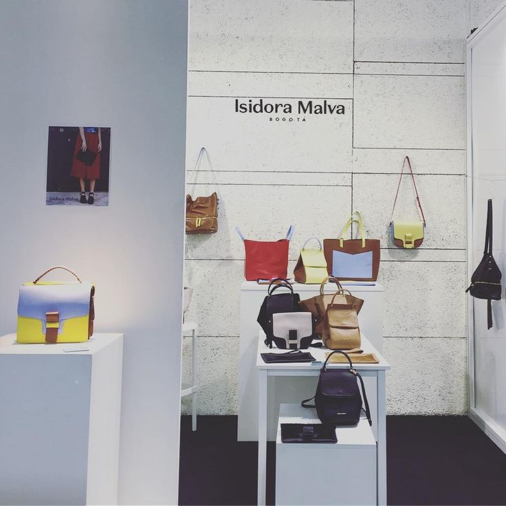 Our booth @originfair in collab with @notjustalabel ⚡️⚡️⚡️ . . . . . . . #originfair2016 #originfair #emergingdesigner #IsidoraMalva #luxury #handcrafted #bags & #accessories #madeincolombia #diseñocolombiano #fashion #handbagslover