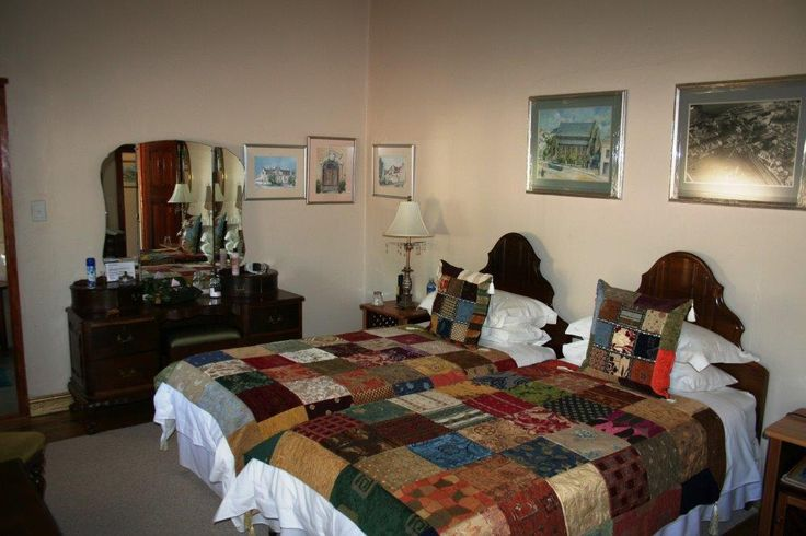Here is the 2nd room from Sean Merrick at the Steytlerville Villa Guest House. Tel: 0498350454