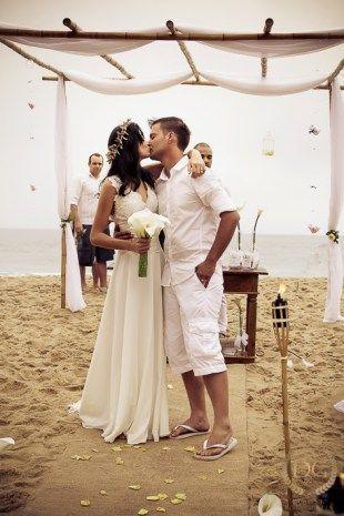 casamento na praia coroa de flores www.guianoivaonline.com.br Guia Noiva!