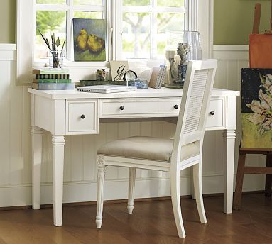Meredith Smart Technology™ Vanity Desk . . . I would so love to have this . . . to use as a make-up table/desk . . . :-)