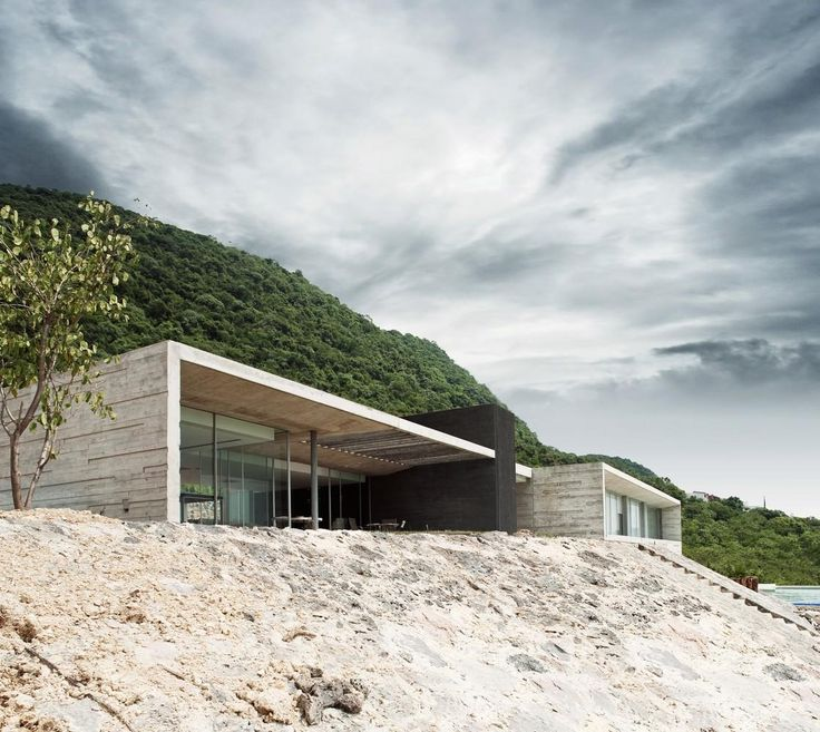 Love the textured off shutter concrete    http://www.archello.com/en/project/widescreen-house-0/image-26#
