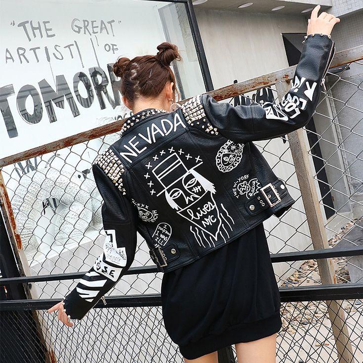 Купить товар2016 осень женщины панк ЗАКЛЕПКИ ШИПОВАННЫХ И Граффити мотоцикл Кожа PU Спайк Куртка женщин верхняя одежда кожа панк/рок стиль в категории Стандартные курткина AliExpress.     New Crazy style Graffiti Pattern PU Leather for Women Jacket Punk and rock style Woman Motorcycle Short Leathe