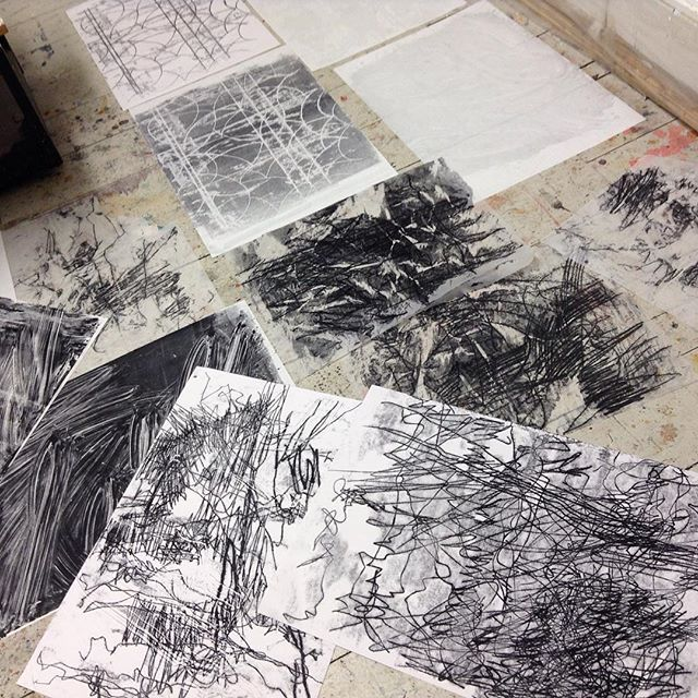 Having fun with mono print markmaking to tear up for collage... #monoprints #markmaking #textures #drawing #collagematerials
