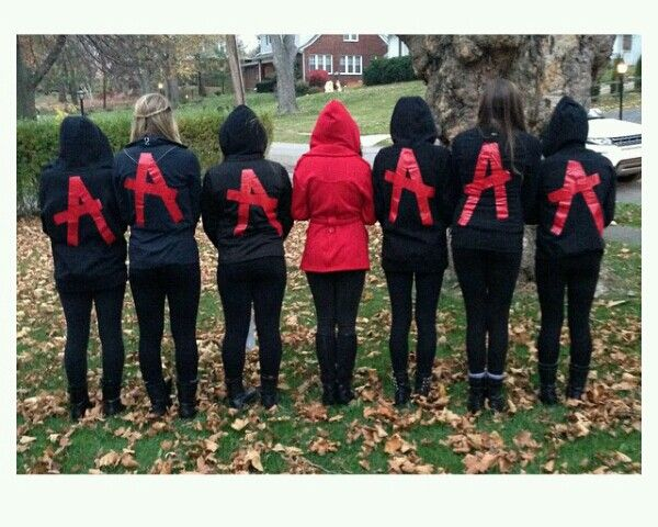 Pretty Little Liars Halloween costume