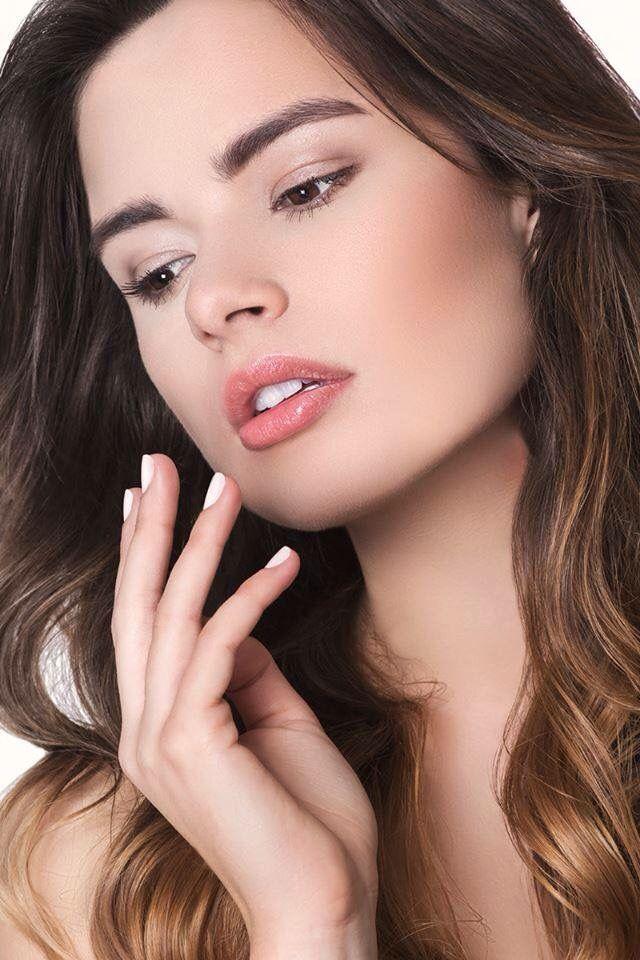 Make up no make up.                  Photo: Aleksander Ikaniewicz.       Models: Iga Górecka