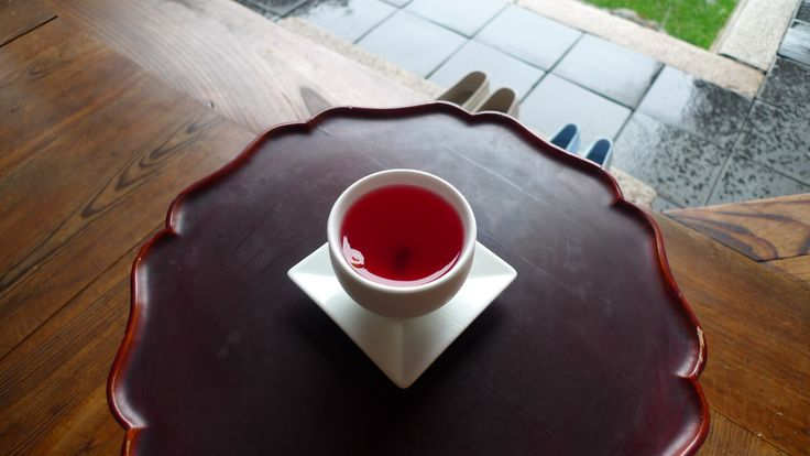 Korean Tea. 'Omiza'  Han-ok. traditional Korean-style house. Bukchon in Seoul.   북촌 한옥마을. 심심헌