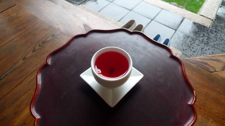 Korean Tea. 'Omiza'  Han-ok. traditional Korean-style house. Bukchon in Seoul.   북촌 한옥마을. 심심헌
