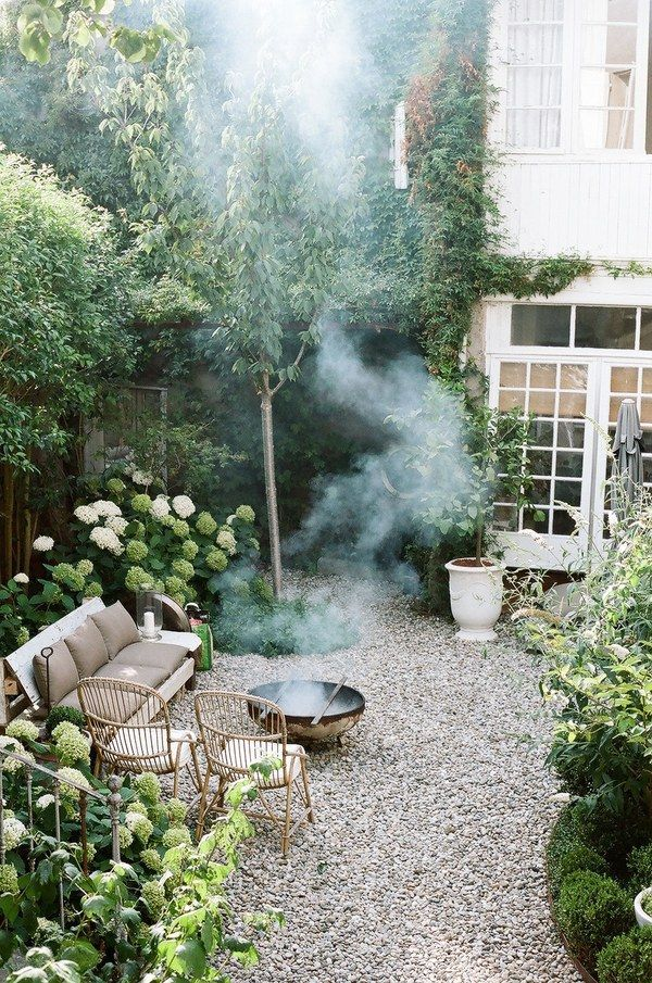 gravel outside patio / arch digest