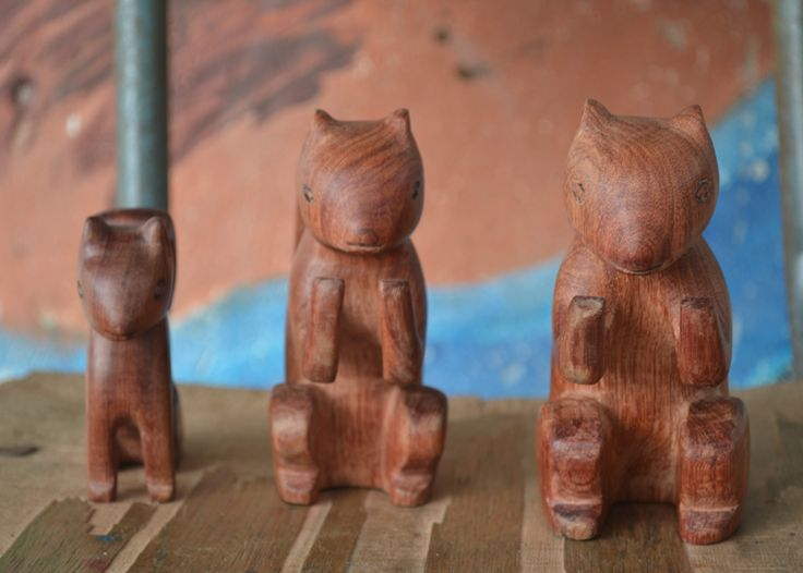Wooden squirrels made by Piaroa artisans of Vichada, Colombia. #Mambe Shop www.mambe.org