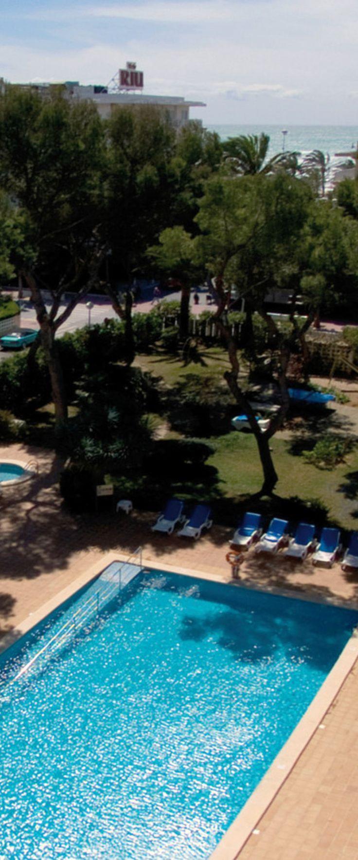 Pool and sea view in Mallorca - Hotel Riu Concordia - All Inclusive in Playa de Palma, Mallorca - Beach Hotels in Spain. | RIU Hotels & Resorts