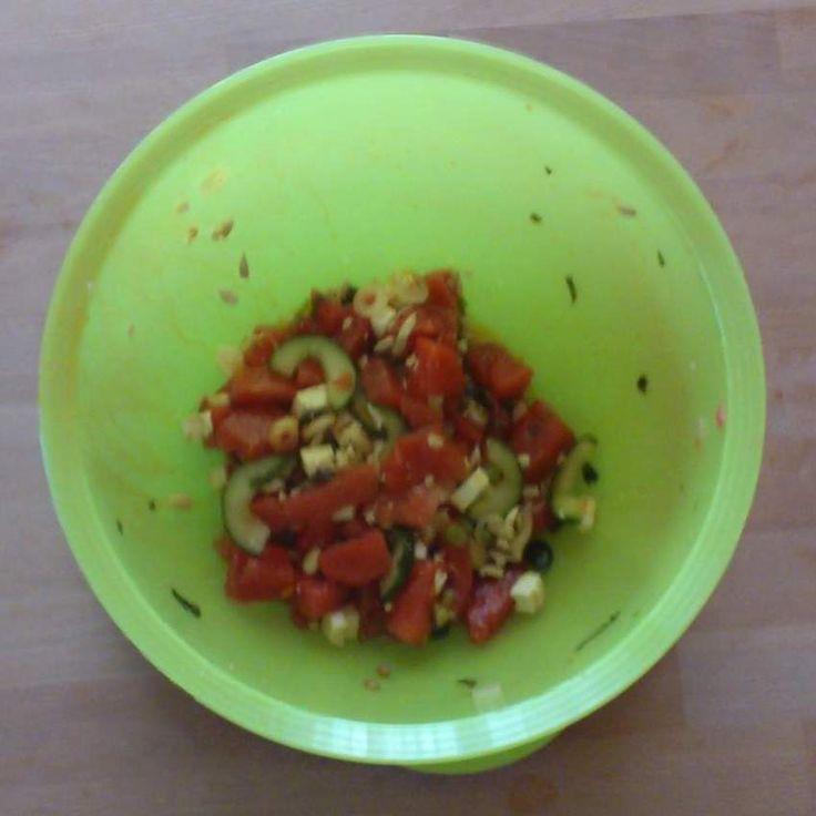 Melonensalat mit Gurke und Feta, sommerlich frisch by SpätzlemitSoß on www.rezeptwelt.de