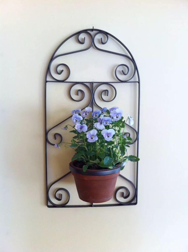 macetero de hierro forjado tipo ventana colonial (m101)
