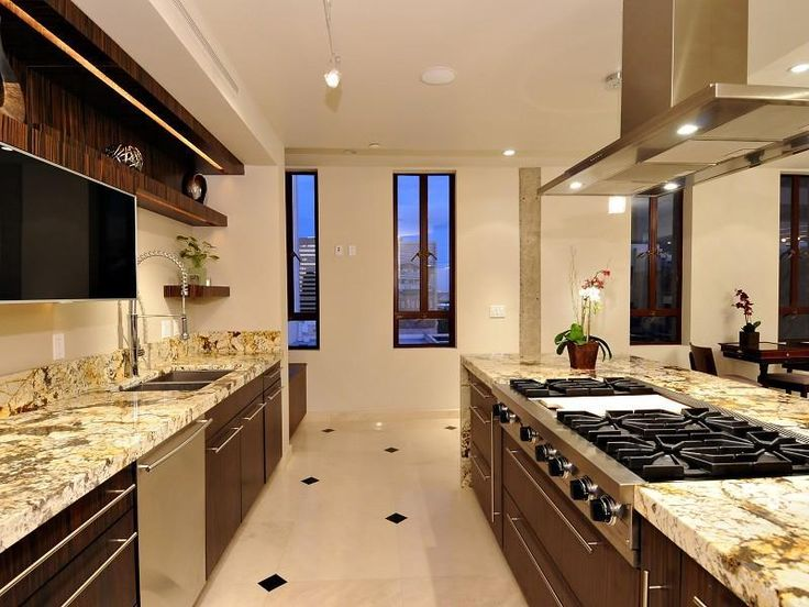 Showcase Of Beautiful And Overwhelming Large Luxury Kitchens 5