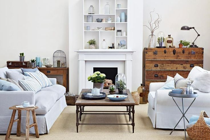eclectic minimalistic LOVE love love this lounge room!