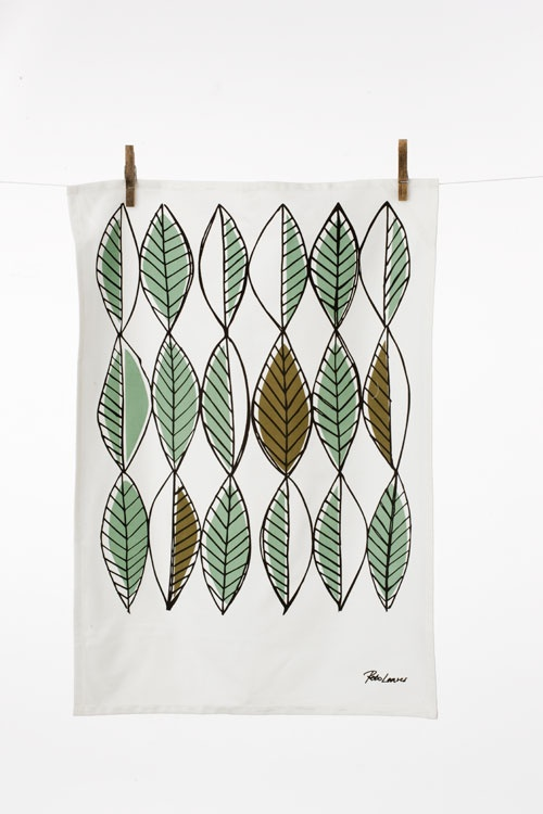 "retro leaves towel  20"" x 27""  $19"
