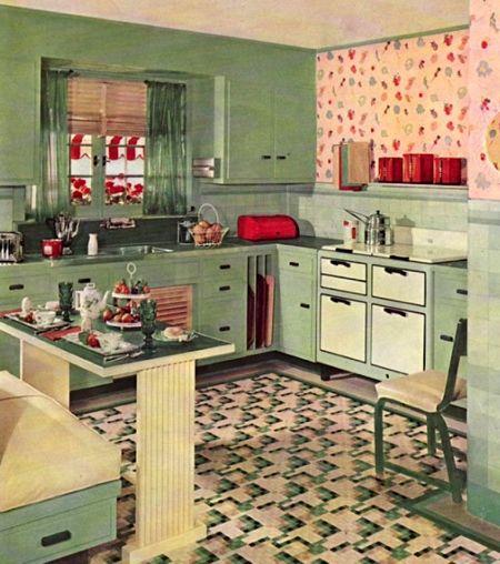 Цветной линолеум в винтажной кухне и яркие акценты