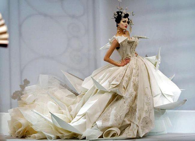 John GALLIANO  (styliste), «Robe de mariée», DIOR Haute couture, Printemps-Été, 2007