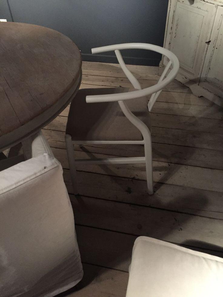 Eetkamer stoel wit hout met zachte zitting, via DHome