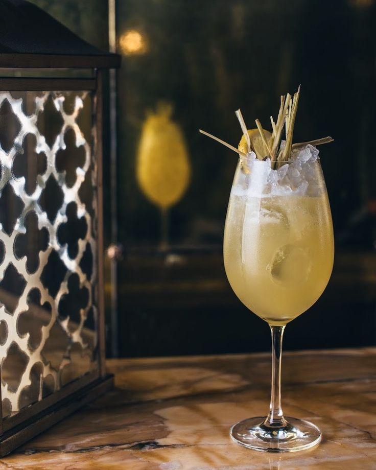 Такой летний и освежающий коктейль Raw Wood Chips в ресторане Le Grand. Приготавливается на основе рома, а в его состав входит лимонный фреш и ананасовый сок. Самый лучший вариант в знойное одесское лето.   #legrandrestaurant #legrandodessa #bristolhotel #bristolodessa
