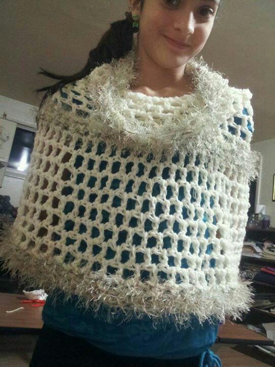 The magic scarf I just finish finger crocheing - la bufanda magica que acabo de terminar de tejer con los dedos