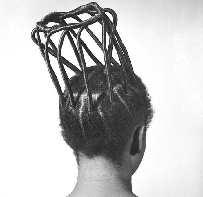 Африканские прически 1960-1970-х гг. в фотопроекте от J.D. Okhai Ojeikere