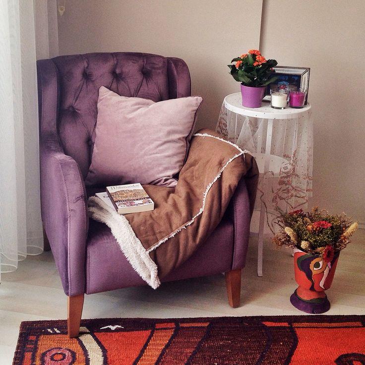 Start wearing purple sit a purple chair