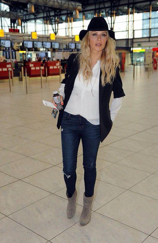 Airport style by Simona Krainova