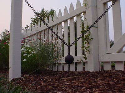 Colonial Williamsburg Gates And Fences Official Cannonball I Ounce The Little Picket Fence Pinterest