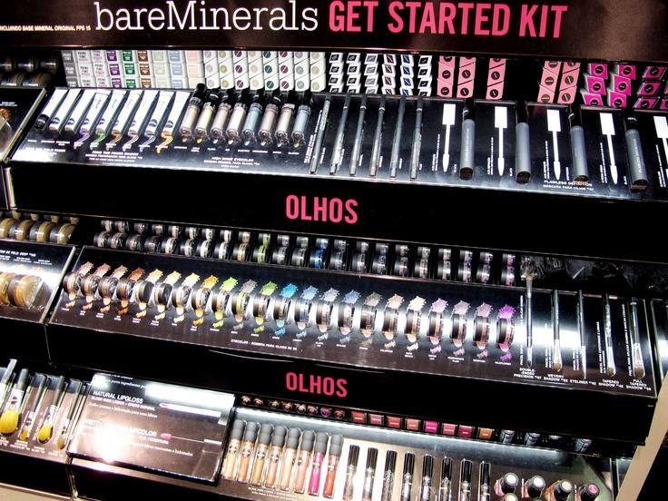 """Sephora Brasil - Bare Minerals - Dia de Beauté by Vic Ceridono - """"Bare Minerals… (essas sombras da prateleira do meio são muito boas! Também adorei batom líquido, e as bases minerais são muito famosas, vale experimentar."""""""