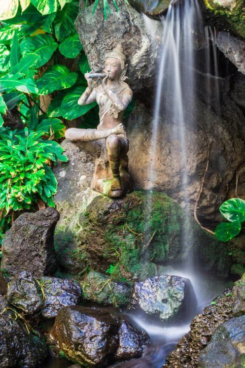M s de 25 ideas incre bles sobre fuentes de agua para el for Cascadas y fuentes de jardin