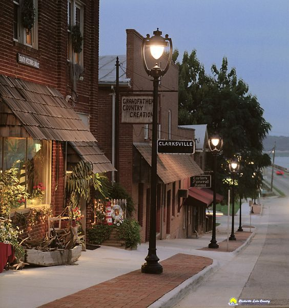 Clarksville Chamber of Commerce © Sheila Cuykendall