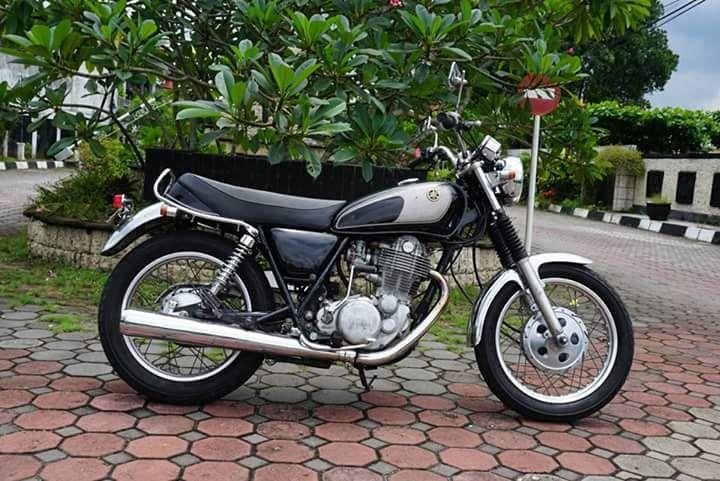 Jual Yamaha SR400 Buruan Para Builder - JOGJA - LAPAK MOBIL DAN MOTOR BEKAS
