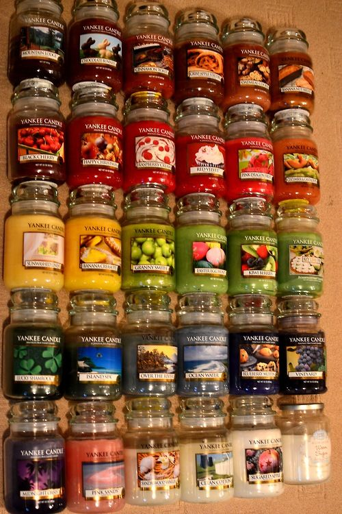 yankee candles  #YankeeCandle - wouldn't recomend the fluffy towels one for the lounge, the name does give it away really that its more for the bathroom...just for those of u who like me sometimes dont think before ya buy!