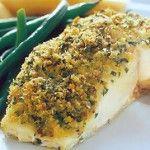 Рыба запеченная Для приготовления блюда Рыба запеченная необходимы следующие ингредиенты: 700 гр филе морской рыбы свежемороженой, 70 гр муки пшеничной, 60 мл масла растительного, для рассола – 250 мл воды, соль на пробу (20 гр).
