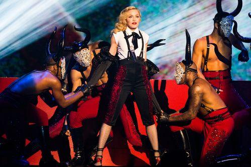 Les costumes de scene de Madonna pour sa tournée Rebel Heart
