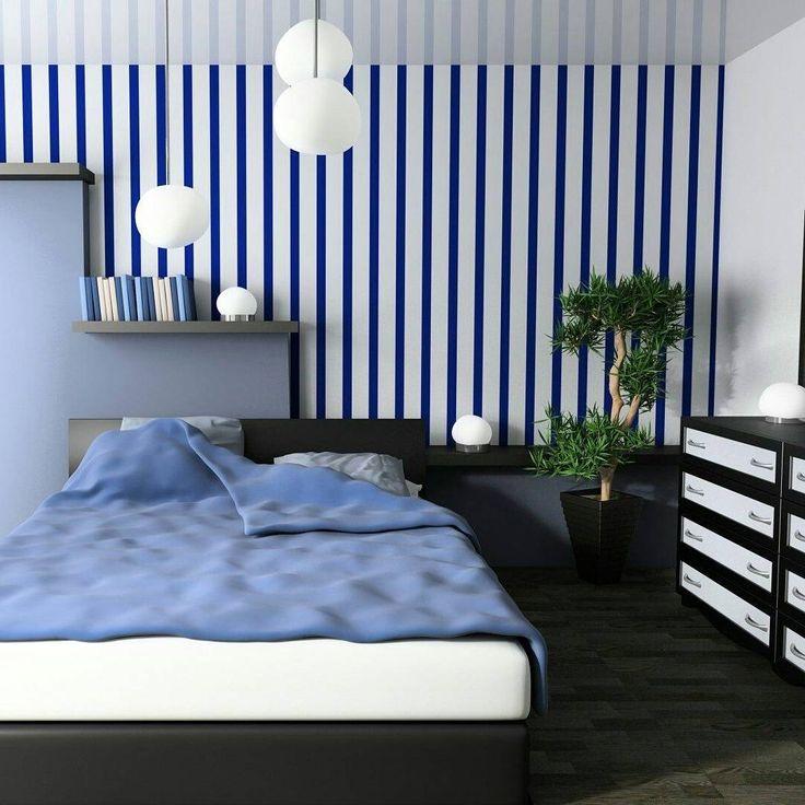 Полосатые обои в маленькой спальне «Тренд в интерьере 2017 — оттенки синего цвета  Вот уже несколько лет в декорировании помещений…»