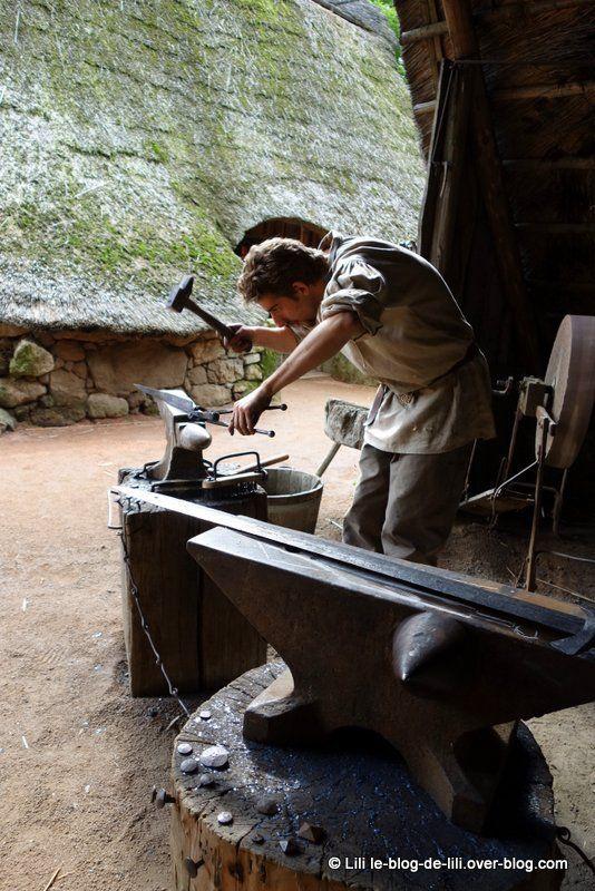 Forgeron - Puy du Fou #vendee #fer #artisanat