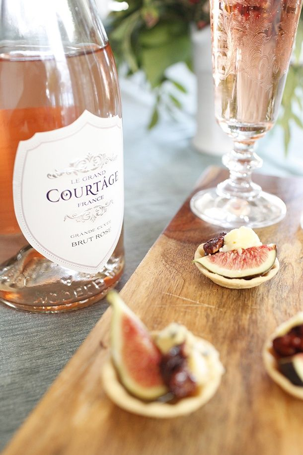 Fig stilton tartlet appetizers and champagne