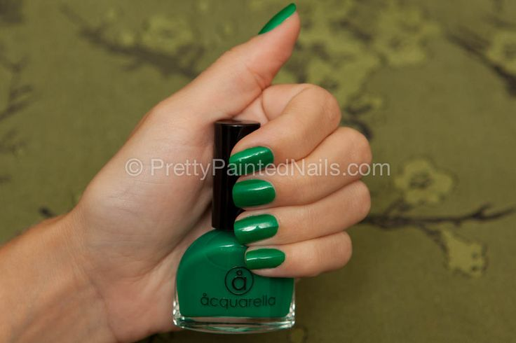 Acquarella water based non toxic nail polish swatch in Wicked (green). Detailed review at http://prettypaintednails.com/reviews/acquarella-nail-polish-in-wicked/