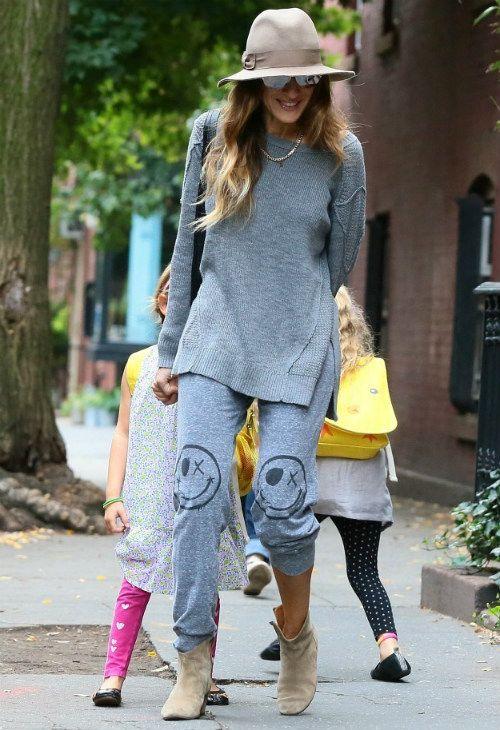 子育て世代には楽チンで重宝するスウェットパンツ。その着こなしを紹介♡おすすめの40代アラフォー女性のスェットパンツコーデ