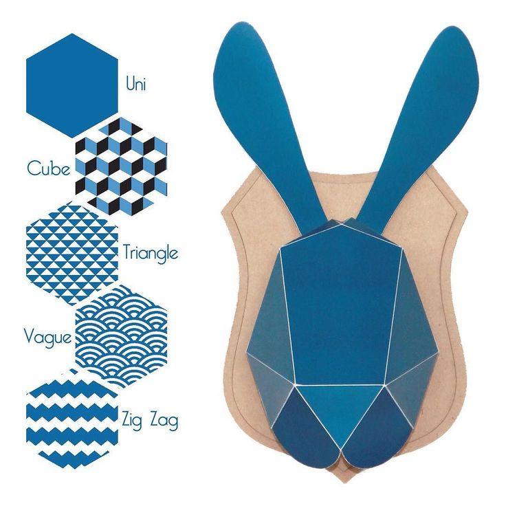 Une version plus rock avec ce bleu profond toujours à décliner en uni // cube // triangle // vague // zig zag  Choisissez également votre support carton: ovale // écusson  Tous les trophées sur @ma_jolie_fabrique et notre boutique @alittlemarket (lien dans la bio)  #unapresmidibucolique #tropheepapier #faitmain #diy #lapindepaques #paques #cabinetdecuriosites #origami by unapresmidibucolique