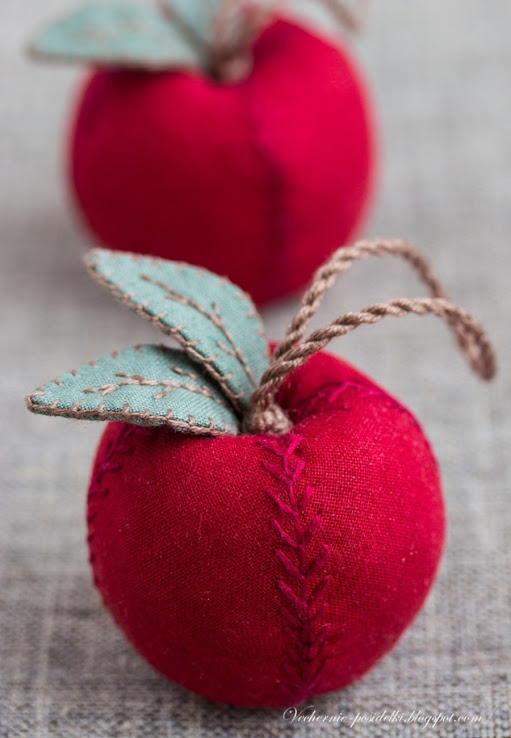Apples - Evening gatherings ...... Love the red feather stitches on the red apples