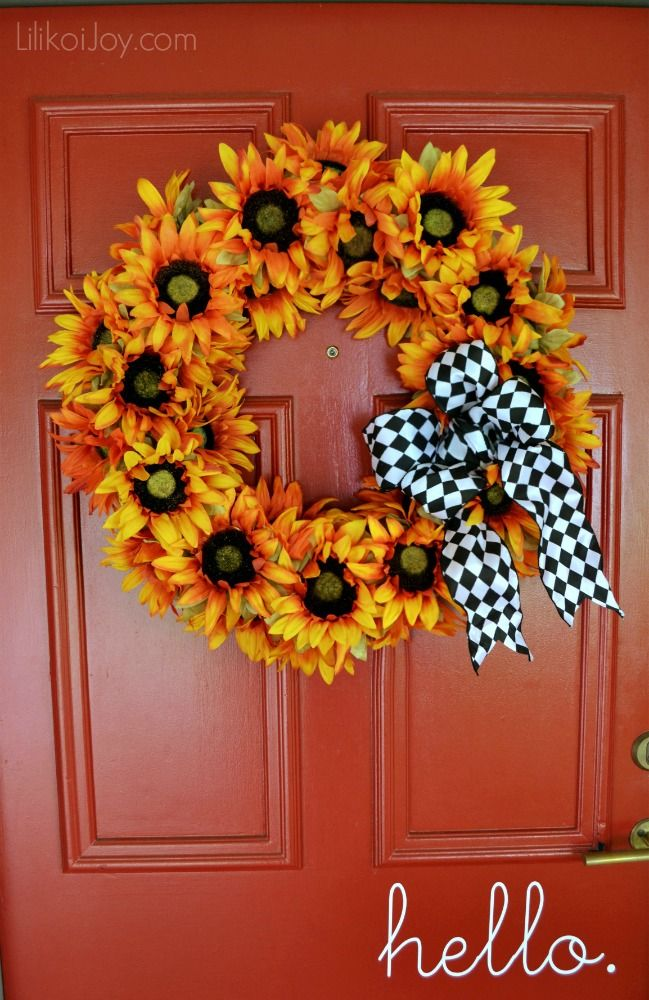 Fall Sunflower wreath with black and white ribbon