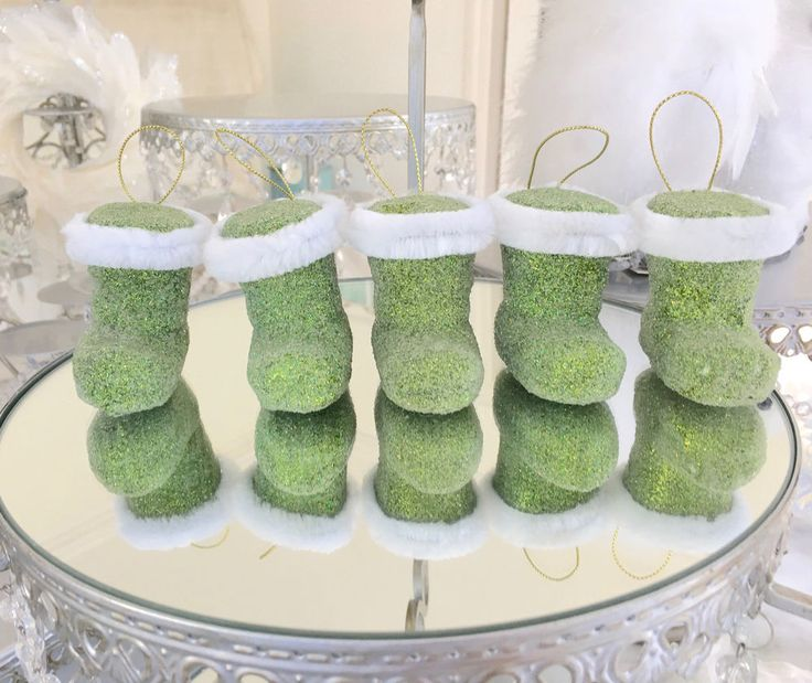 Set of 5 Green Glitter Hanging Christmas Decoration Ornament Santa's Boots New