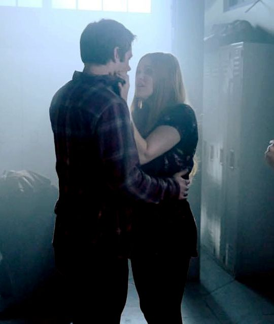 Teen Wolf - BTS picture of Stiles and Lydia in 6x10.