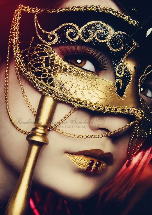 Mascara #goldmask #goldlips #colorfullips