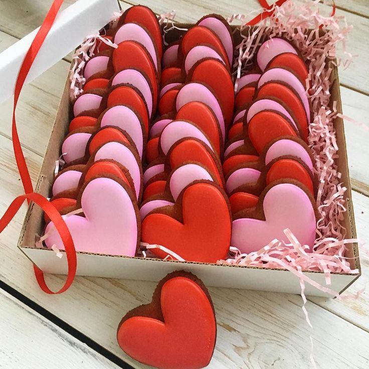 30 сердечек в большой коробке на #деньсвятоговалентина #14февраляподарок #подарокна14февраля #пряникиназаказ #неслучайноепеченье_14февраля